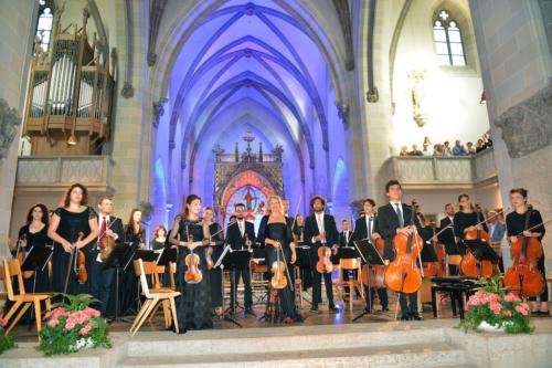 Geigerin Anne-Sophie Mutter mit dem Orchester der Buchmann Mehta School aus Tel Aviv, Israel